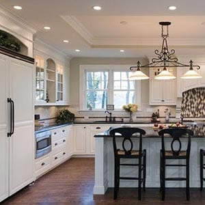 A Traditional home decor style kitchen.