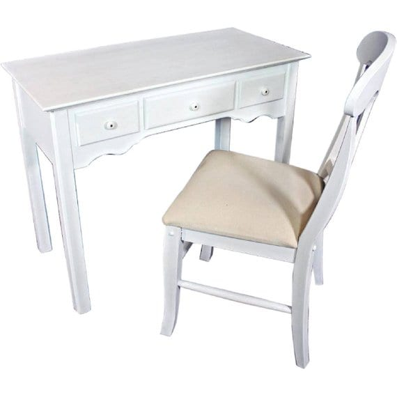 Ever considered vintage furniture for your eco-friendly kid's room? You should! Not only is it a environmentally conscious choice, vintage furniture is extremely well made. That's why it's still around!
