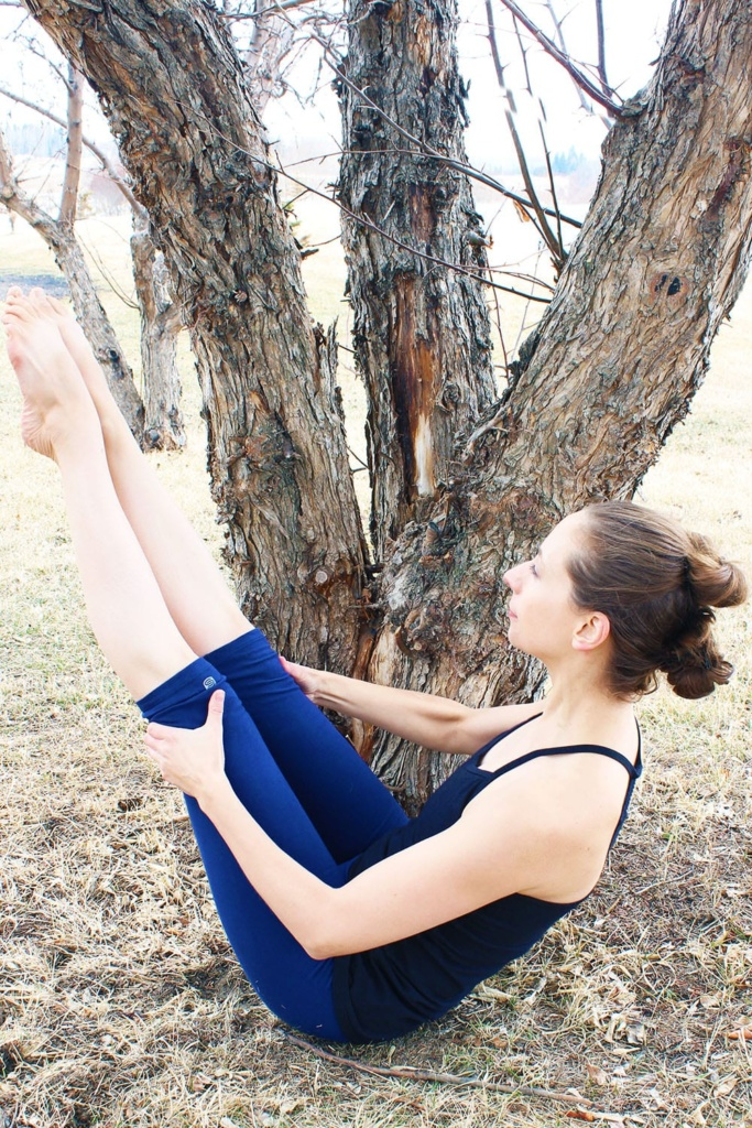 Searching out sweat-worthy sustainable threads? Look no further! Here are three tips to help you find eco-friendly activewear that feels good and does good. Like these organic cotton leggings and tank from SteelCore Planet.