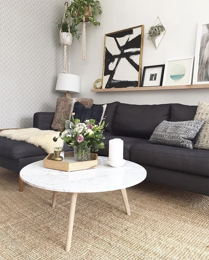 Here's how to create a modern boho living room, which balances the funky boho vibe with clean lines and neutral colours - like this one by @modernjane.